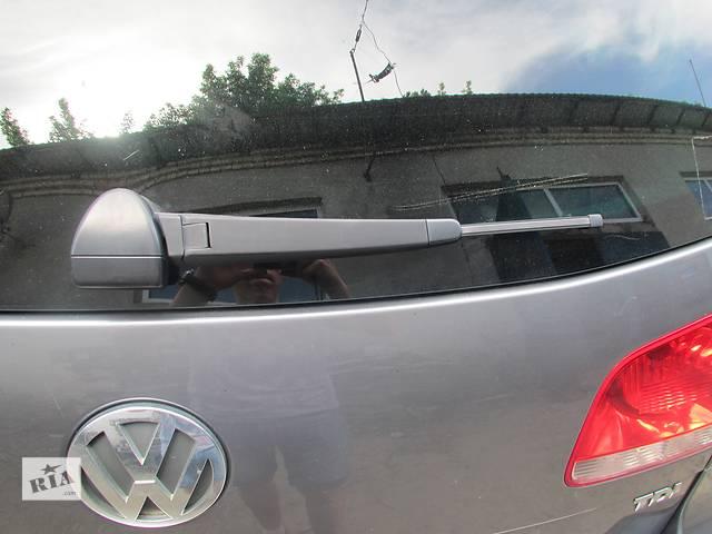 продам Дворник на крышку багажника Volkswagen Touareg 2003-2009г. бу в Ровно