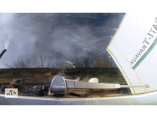 купить бу Дворник заднего стекла Volkswagen Touareg Фольксваген Туарег 2003 - 2009 в Ровно