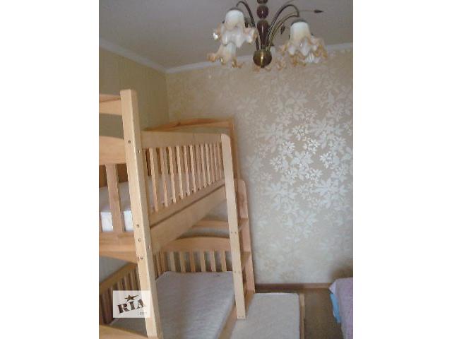 купить бу Двухъярусная кровать на три спальных места с матрасами ! в Киеве