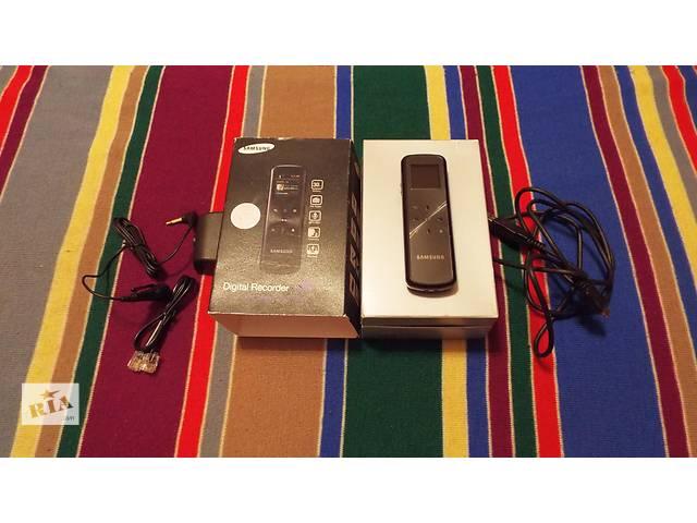продам Диктофон Samsung YP-VP1 2GB, 3 в одном - диктофон, плеер, радио бу в Днепре (Днепропетровск)