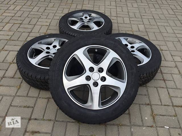 продам  диск с шиной для легкового авто Opel Vivaro2016 R17 бу в Ужгороде