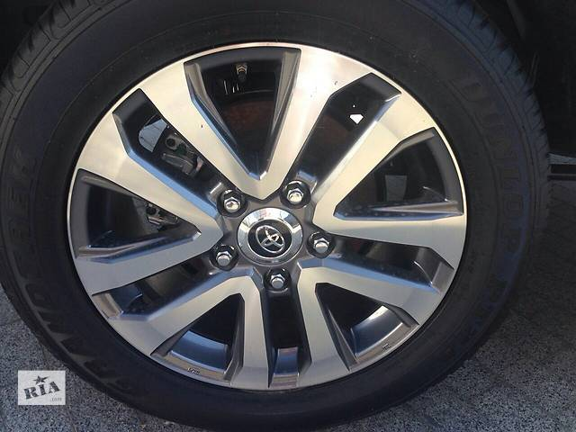 бу  диск с шиной для легкового авто Toyota Land Cruiser 200 в Днепре (Днепропетровск)