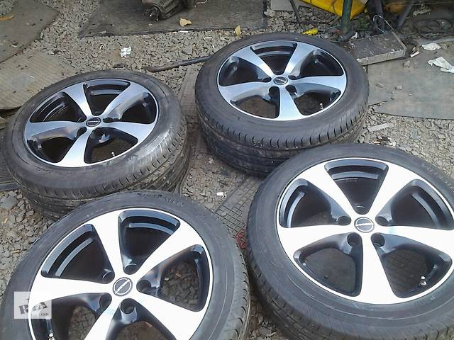 бу  Диски 18 с шиной для легкового авто Honda CR-V в Ужгороде