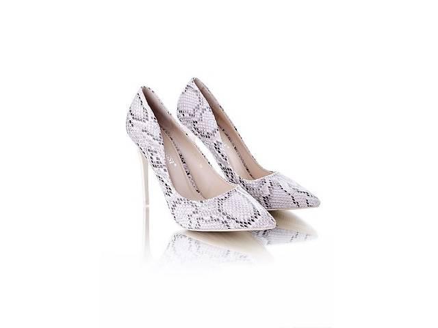 купить бу Элегантные туфли-лодочки на шпильке в Одессе