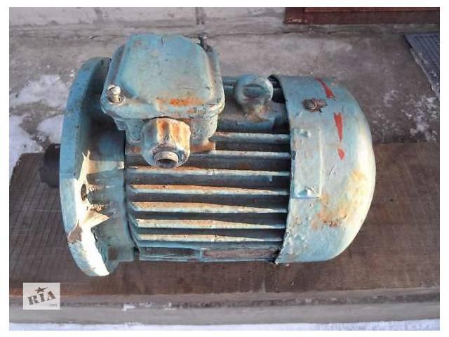 купить бу Электродвигатель 3.2 кВт 1340 об/мин 220/380  в Черкассах