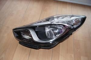 б/у Фары Hyundai IX20