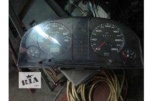 Панель приборов/спидометр/тахограф/топограф Audi 80