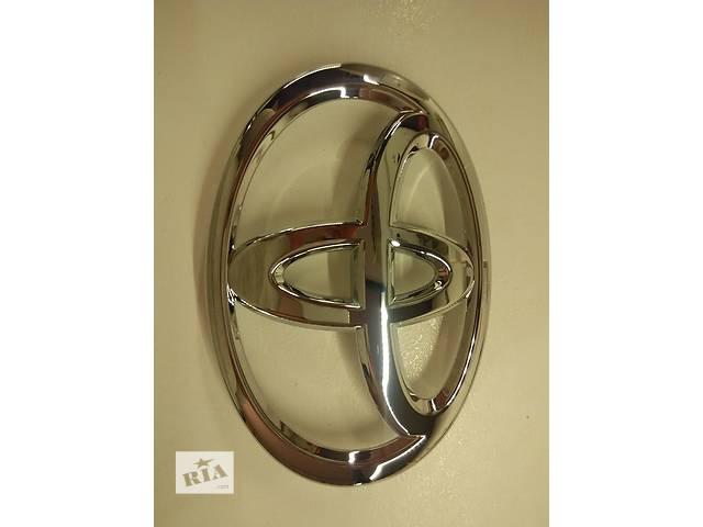 купить бу Эмблема решетки капота Toyota Land cruiser prado 150 в Киеве