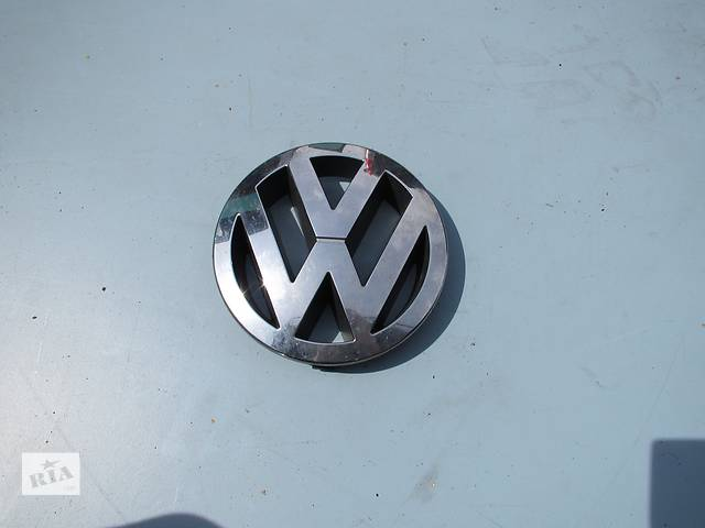 бу Эмблема значок Volkswagen Touareg 2003-2009p в Ровно