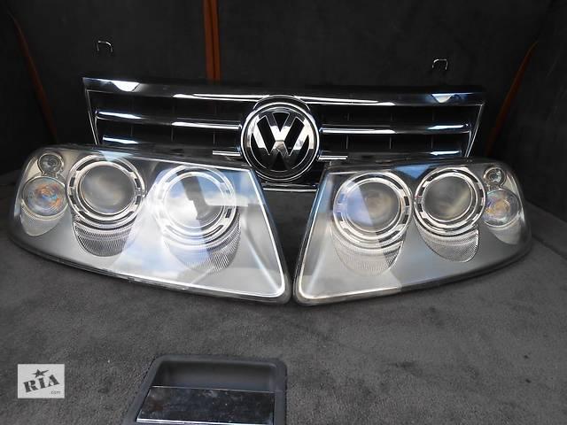 купить бу Фара (фара) Ксенон Volkswagen Touareg (Туарег) 2002 - 2006 г.в. в Ровно