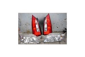 Фары Mazda Premacy
