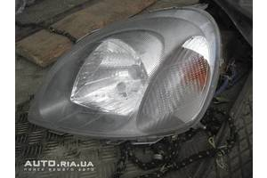 Фары Toyota Yaris