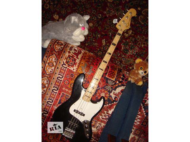 продам  FENDER Jazz Bass.  модель -Geddy Lee бу в Киеве