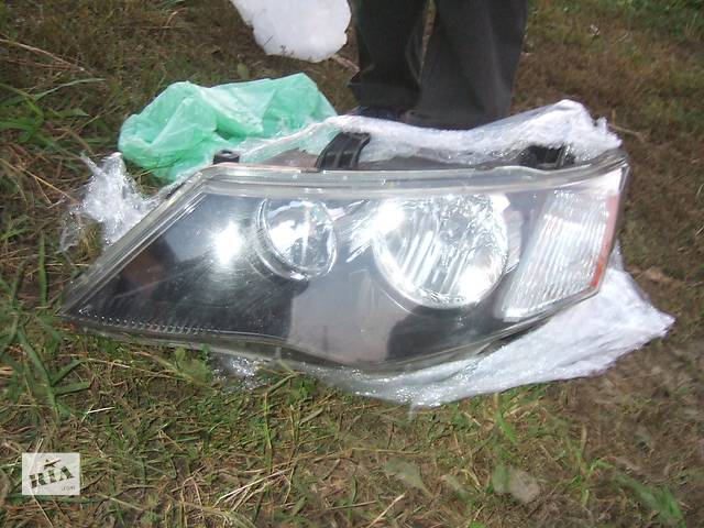 купить бу Б/у Фара для легкового авто Mitsubishi Outlander XL в Ровно