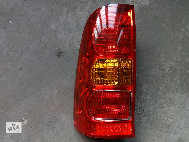 продам фонарь задний для Toyota Hilux 2006 бу в Львове