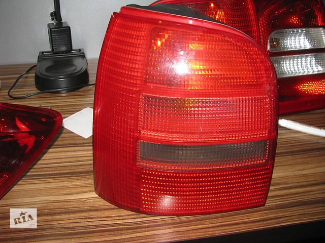 бу фонарь задний для универсала Audi A4 B5 Avant 1994-00 в Львове