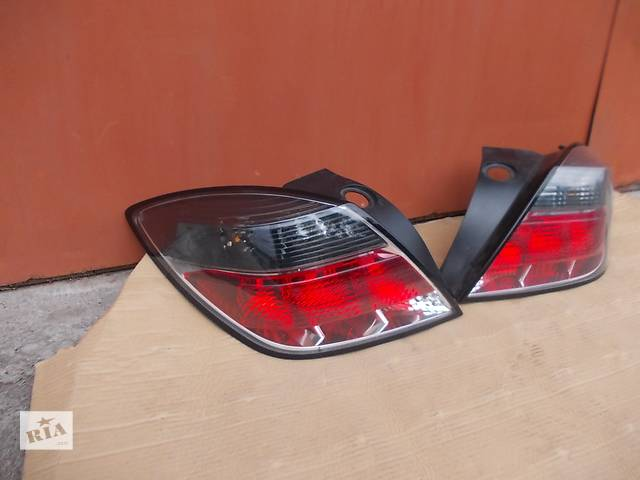 бу  Фонарь задний  Opel Astra H GTC 3-х дв. хетчбек. Б/у оригинал в отл. сост. Цена за шт. в Днепре (Днепропетровск)