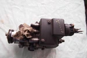 б/у Топливний насос високого тиску/трубки/шестерн Ford Transit