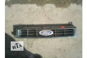 б/у Решётка радиатора Ford Scorpio