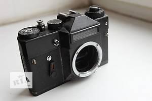 б/у Плівковий фотоапарат Zenit