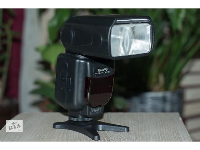 купить бу Фотовспышка TRIOPO TR-960II Speedlight. в Тернополе