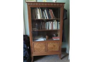б/у Книжные шкафы