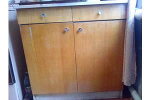 б/в Кухонні столи