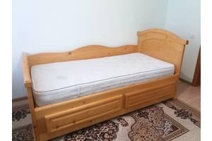 б/у Ліжка для спалень
