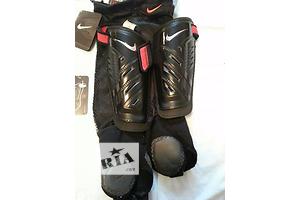Новые Щитки футбольные Nike