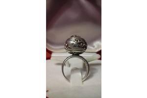 б/у Серебрянные кольца