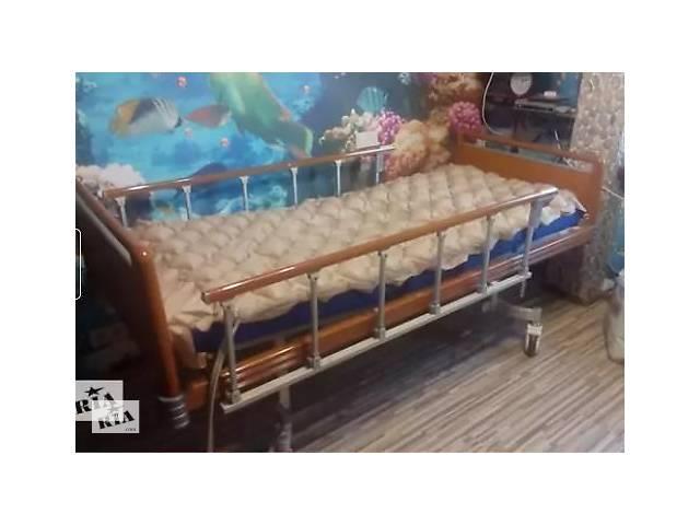 Кровать для лежачего больного с антипролежневым матрасом