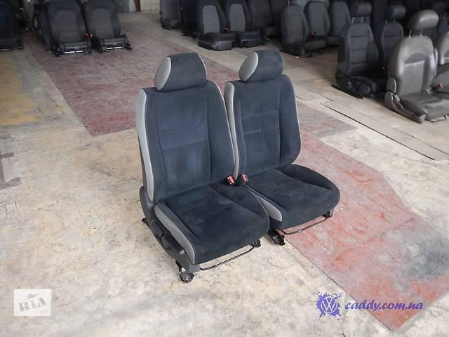 продам Honda Civic 5D - передние сиденья бу в Киеве