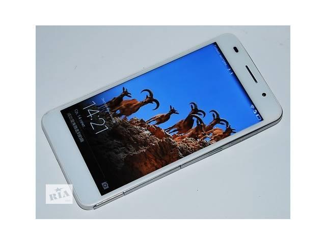 продам В наличии белого цвета распродажа на складе  4 шт осталось!  Основой смартфона стал процессор 8 ЯДЕР, и 3 ГБ оперативной памяти (смотрите фото) что вместе показывает очень мощьную производительность, и обеспечивает комфортное пользование смартфоном. несмотря на то что смартфон копия -он так же работает на фирменной оболочке Huawei Emotion UI и поддерживает все сервисы Huawei. Производитель HUAWEI Тип SIM-карты:Micro-SIM Высокоскоростная передача данных GPRS/EDGE,3G Количество SIM-карт 2 Операционная система Android 4.4 (KitKat) + Huawei Emotion UI 2.3 Оперативная память, ГБ 3 Встроенная память, ГБ 8 Слот расширения microSD/SDHC/SDXC (до 64 ГБ) Размеры, мм 139,6x69,7x7,5 Вес, г 130 Аккумуляторная батарея 3100 мАч Экран Диагональ, дюймы 5 Разрешение 1270*720 Тип матрицы IPS PPI 445 Датчик регулировки яркости есть Сенсорный экран (тип) + (емкостный) Другое 16 млн. цветов, защитное стекло Характеристики процессора Процессор МТК 6582, 8 ЯДЕР 1.7 ГГЦ Частота, ГГц 1,3 - 1,7 Камеры: Фронтальная камера:5 Мп Основная камера:13 Мп Видеосъемка 1920х1080 точек, 30 к/с Вспышка двойная светодиодная  Другое цифровой зум, видеосъемка фронтальной камерой 720р Коммуникации Wi-Fi 802.11 b/g/n, Wi-Fi Direct, Wi-Fi Hotspot, WiFi Display Bluetooth 4.0 (A2DP) GPS Интерфейсный разъем USB 2.0 (micro-USB) Дополнительно Аудиоразъем 3,5 мм MP3 плеер есть FM-радио есть  Еще: датчики приближения и освещения акселерометр цифровой компас приемник А-GPS виброзвонок поддержка DLNA Комплектация: Мобильный телефон Huawei Honor Pro  адаптер питания 220V, USB кабель для передачи данных наушники, упаковка Доставка новой почтой оплата при получении бу в Киеве