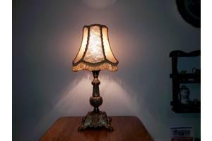 б/у Настільні лампи