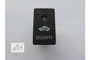 Блоки кнопок в торпеду Toyota