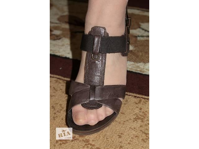 продам Jones женские кожаные босоножки босоножки бу в Стрые