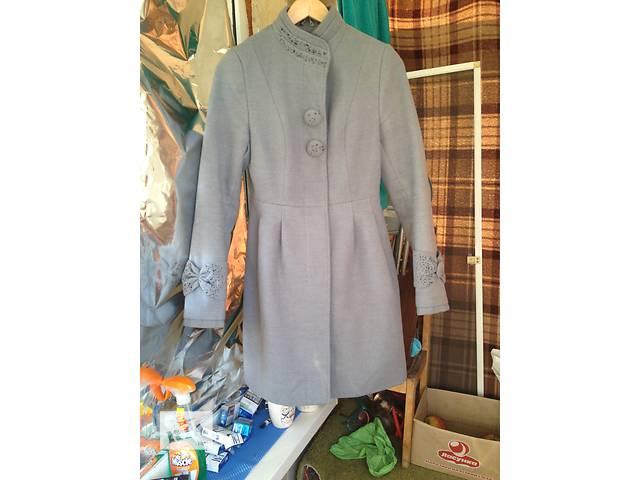 бу Кашемировое пальто в очень хорошем состоянии. 44 размер в Виннице