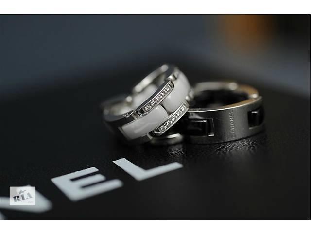 Керамическое кольцо Chanel с камнями- объявление о продаже  в Одессе