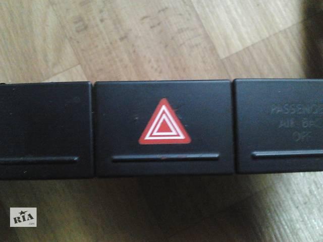 купить бу Кнопка аварийной сигнализации Volkswagen Touareg Фольксваген Туарег 2003г-2009г в Ровно