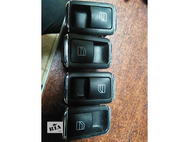 продам  Кнопка стеклоподъемник Mercedes A 204870735A2048700451A2048700451 A2048700451 бу в Львове