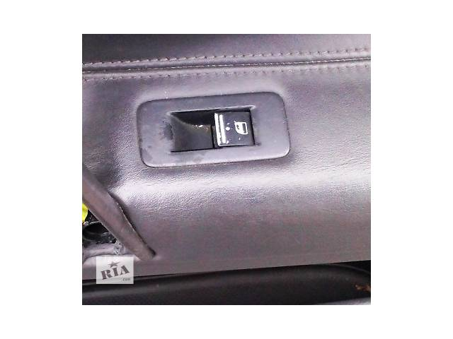 купить бу Кнопка стеклоподъемника Volkswagen Touareg Фольксваген Туарег 2003г-2009г в Ровно