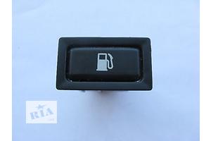 Блоки кнопок в торпеду Toyota Avensis