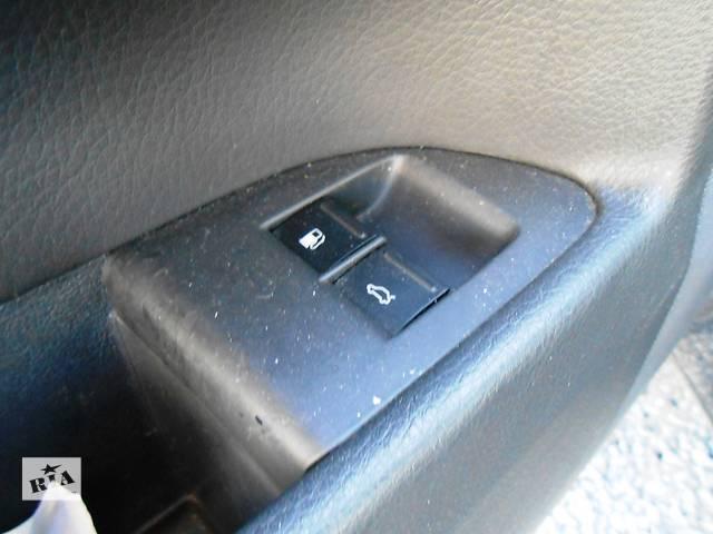 бу   Кнопки для відкривання крышки багажника и лючка бензобака VW Touareg Фольксваген Туарег 2003-2009г в Ровно