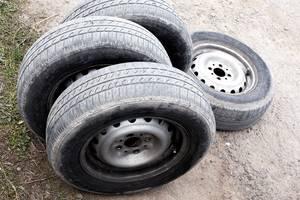 диски с шинами ВАЗ 2104