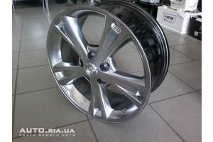 Колпаки Toyota Auris