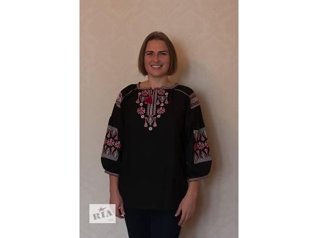 купить бу Комфортна блузка з оригінальною вишивкою в Киеве