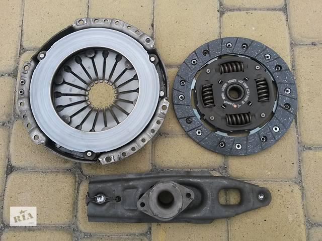 купить бу Комплект б/у: корзина, диск сцепления и выжимной подшипник с вилкой на Mitsubishi Colt VI 1,3 автомат/робот 2004-2012 в Виннице