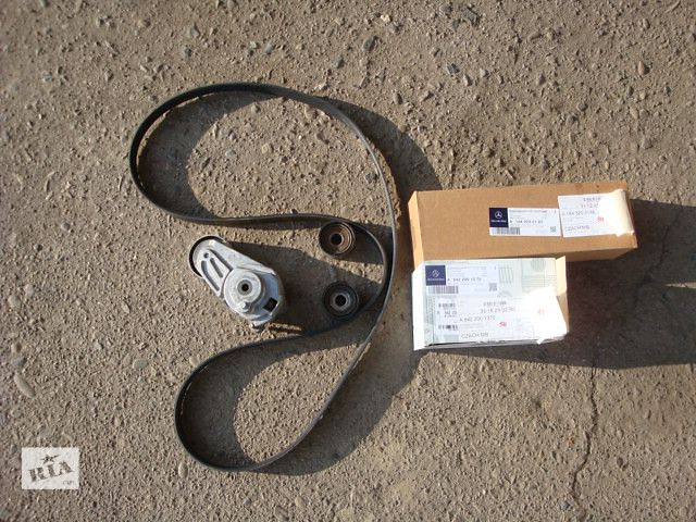 продам Комплект (два ролика, натяжитель, ремень ручейковый)для Mercedes G-Class 2010 бу в Черновцах