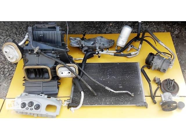 купить бу Комплект кондиционера, кондиціонера 2.5 Renault Trafic Рено Трафик Opel Vivaro Опель Виваро в Ровно