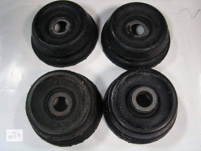 купить бу Комплект опор амортизаторов (2верхние+2нижние) Mercedes Sprinter 02.95-05.06, VW LT 05.96- в Ровно